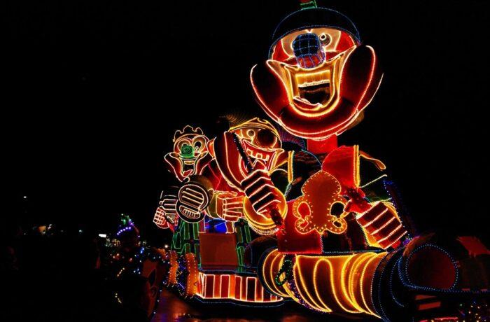 Vuurwerkshow en Helmondse Lichtjes Parade aanstaande zaterdag