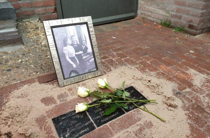 Struikelstenen voor oud-leerling Jan van Brabant College en haar familie