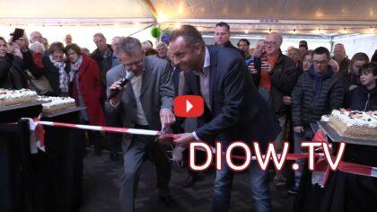 Ballonnen en taart bij opening Dorpsstraat Stiphout
