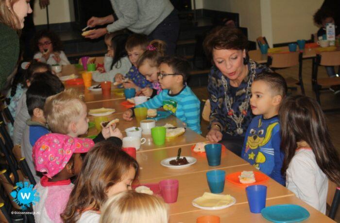 Eerste lustrum van burgemeestersontbijt wordt vorstelijk gevierd in Kasteel Helmond