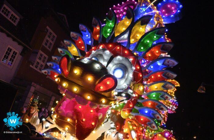 Helmondse Lichtjes Parade trekt opnieuw door Mierlo-Hout