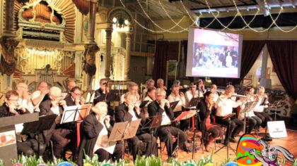 Concert door de Helmondse en Veldhovense Mondharmonicaverenigingen