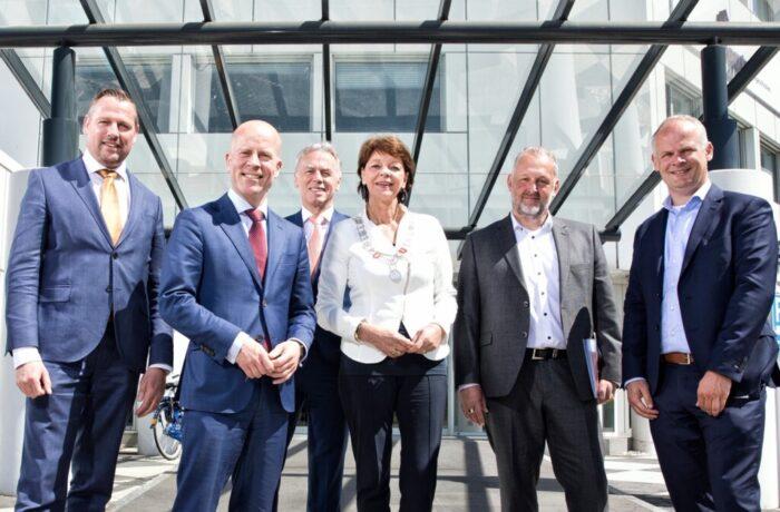 Digitalisering centraal tijdens werkbezoek staatssecretaris Knops aan Helmond