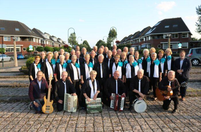 Helmondse Liederentafel 't akkoordje viert 25 jarig bestaan met muziek middag