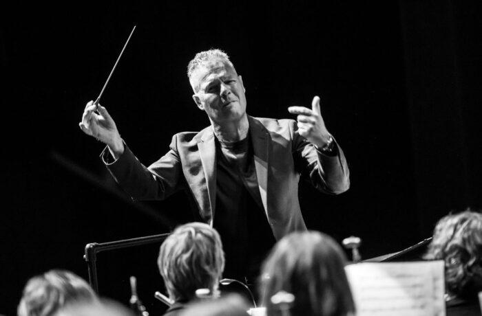 Helmonds Muziek Corps neemt afscheid van dirigent