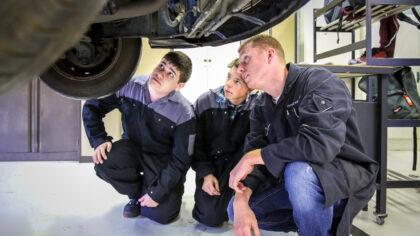 Summa Automotive-studenten naar Automotive Campus in Helmond
