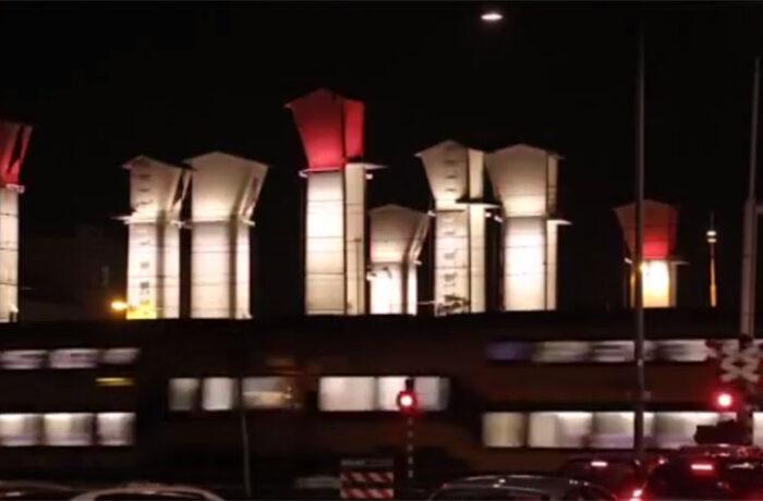 Dynamische LED-verlichting Kolommenbrug Helmond-Centrum