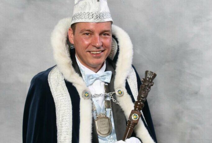 Prins Anton d'n Twidde trapt carnavalsseizoen af bij De Kluppels