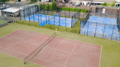 Tennisvereniging LTC 't Lôbke, presenteert als eerste club in Helmond, twee nieuwe padelbanen
