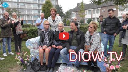 Onthulling Mozaïekbank ter nagedachtenis aan Mien Graveland; De video