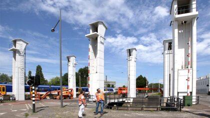 Opknapper voor ophaalbruggen over Zuid Willemsvaart