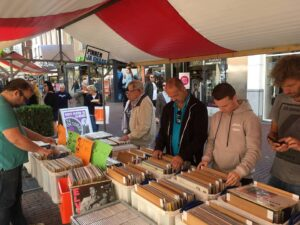 vinyl & vintage - platenbeurs @ De Cacaofabriek | Helmond | Noord-Brabant | Nederland