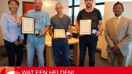 Burgemeester Elly Blanksma reikt 3 medailles uit aan redders drenkeling Helmond