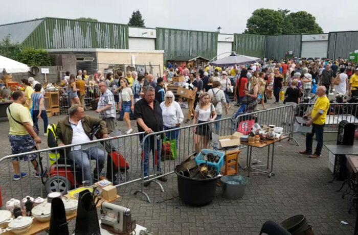 De Stiphoutse Vlooienmarkt: de grootste van Helmond in tweedehands goederen