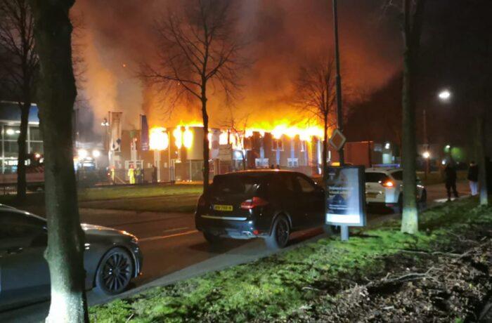 Uitslaande brand industriegebied Vossenbeemd