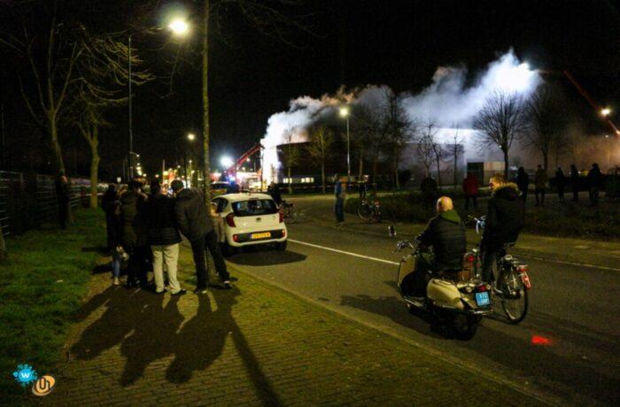 Uitslaande brand autowasstraat Deltaweg
