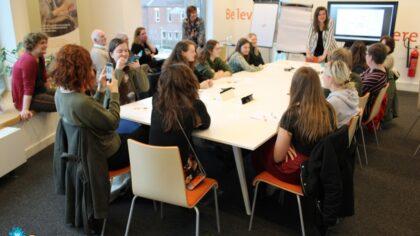 Workshops door jonge schrijfsters in Bibliotheek