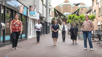 Winkelstraat met alleen vrouwelijke ondernemers