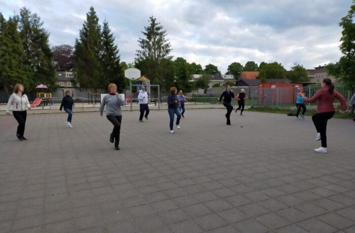 Fitnessgroepen HT'35 gaan buiten sporten