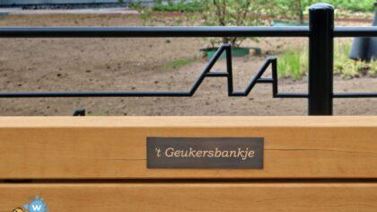 Naamgeving van zitbank aan het burgemeester Geukerspark