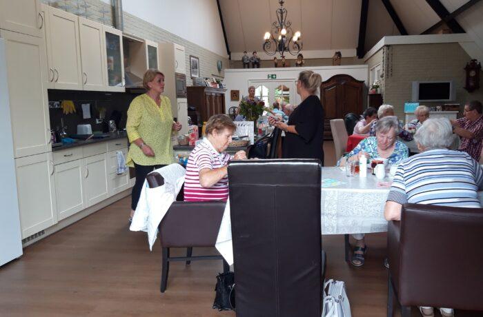 Senioren coronaproof weer 'samen op zondag'