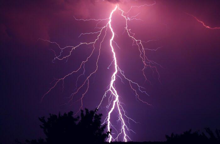 Zomerse storm zorgt voor veel wateroverlast in Helmond