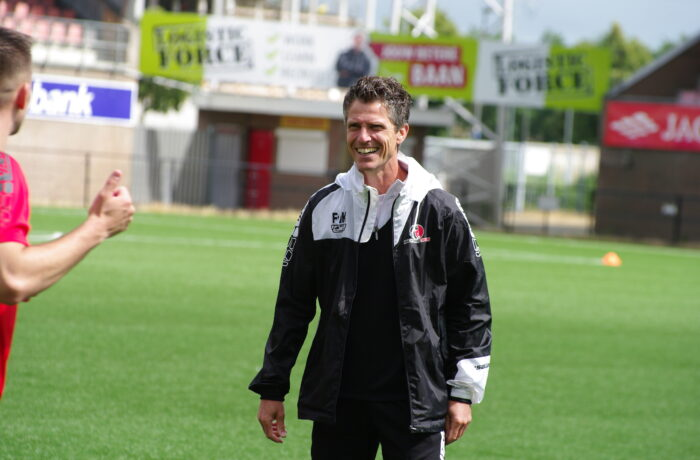 Frank van Kempen blijft assistent-trainer bij Helmond Sport