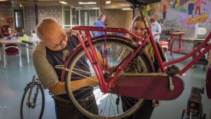 Repaircafé Rijpelberg werkt deze zomer door voor de thuisblijvers