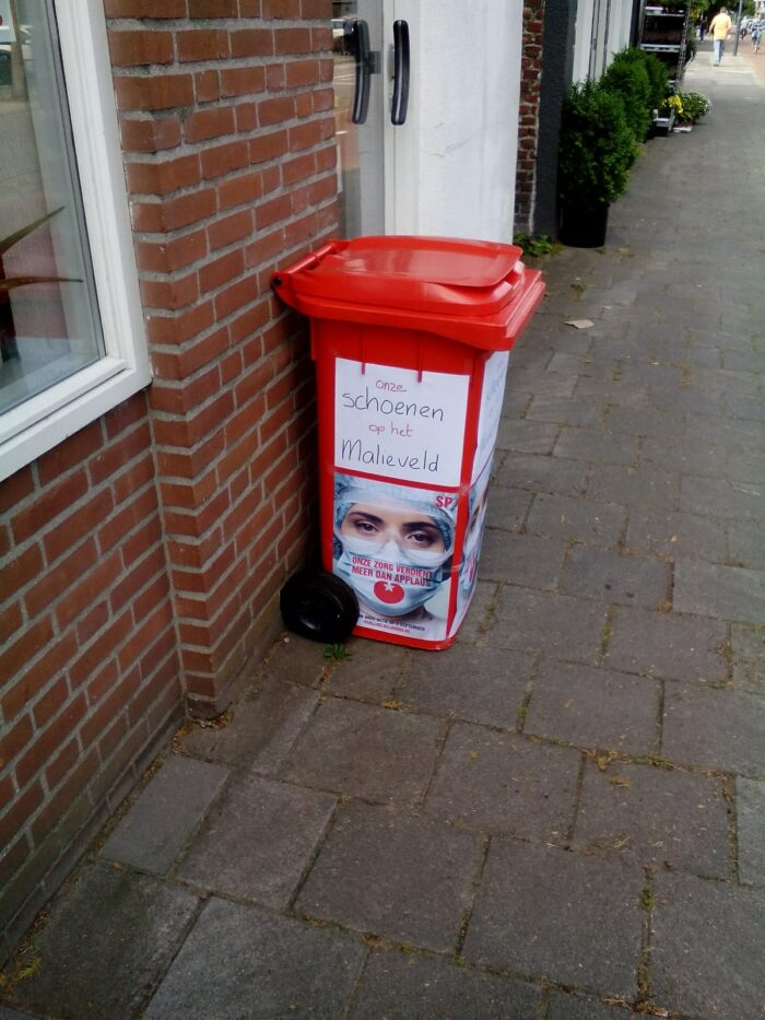 SP Helmond zamelt schoenen in voor demonstratie