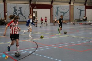 Meidenvoetbal instuif voor Meiden uit groep 1 t/m 8 van Helmondse basisscholen @ Sporthal Suytkade | Helmond | Noord-Brabant | Nederland