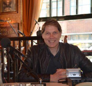 Nationale Vrijwilligersdag 7 december Wim Daniëls op lokale tv DitisHelmond-Omroep Helmond @ Online