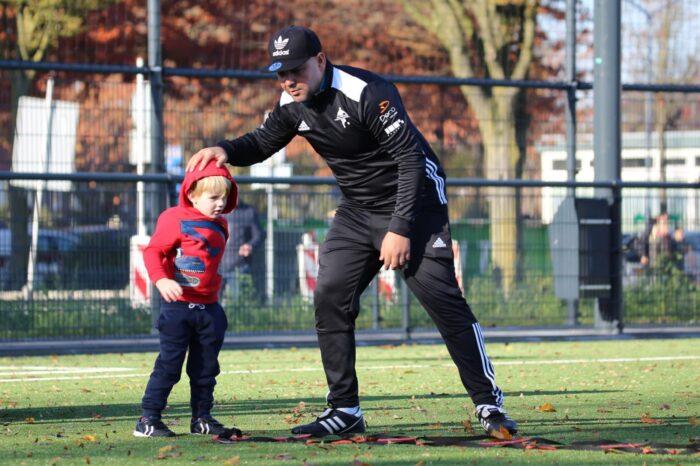 Helmondse Voetbalschool en Stichting Leergeld in de clinch