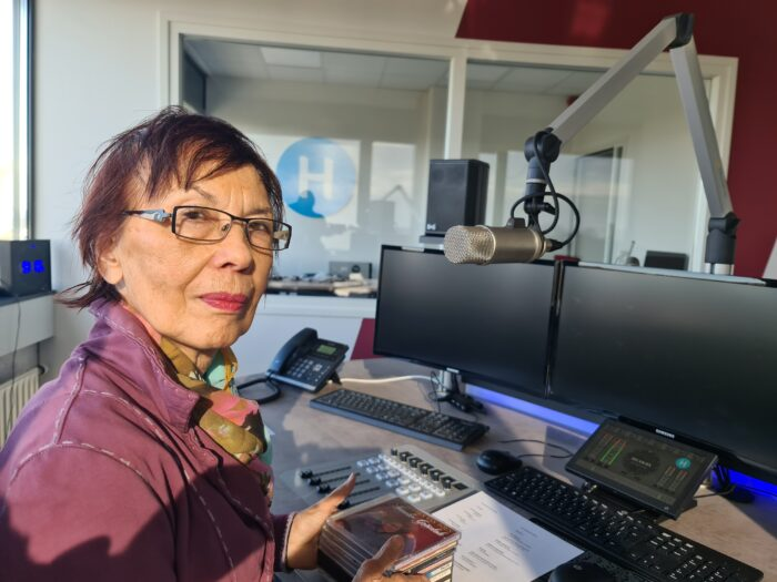 Soerabaja Calling op Ditishelmond – Radio
