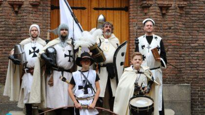 Duitse Orde Gemerth bezoekt kasteel Helmond