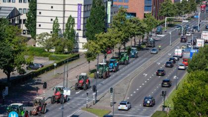 Boerenprotest trekt door Helmond richting Den Bosch