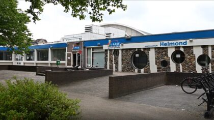 Water in Helmond: zwembad de Wissen