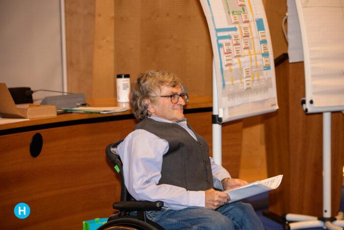 Politieke cursus in Helmond van start in de raadszaal