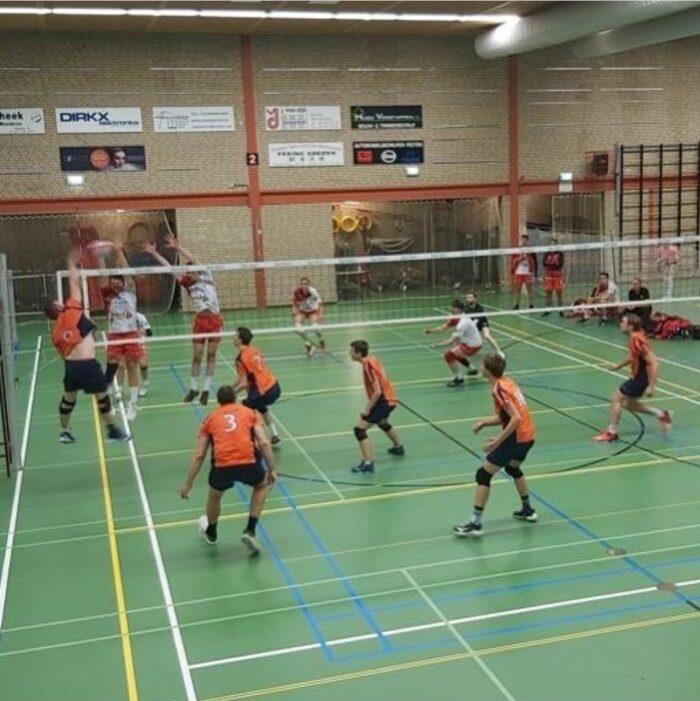 Polaris mannen beleven mooie start volleybalseizoen