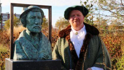 Feestelijke onthulling bronzen borstbeeld Lucas Gassel