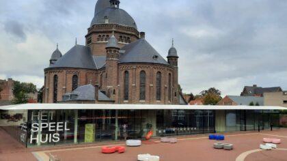 Speelhuis: tweede persoon gratis naar 'Een mooiere wereld'